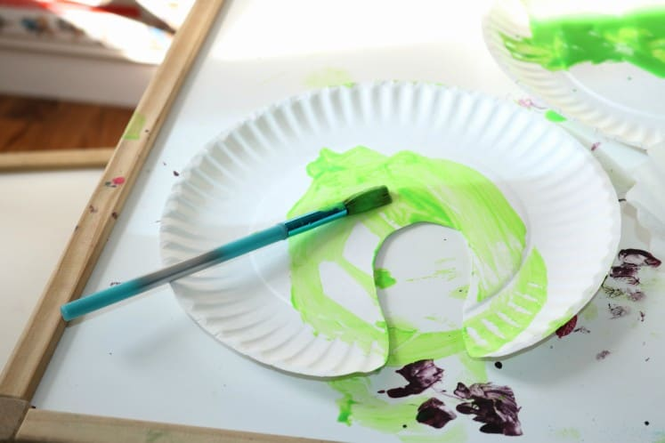 green lily pad made from paper plate