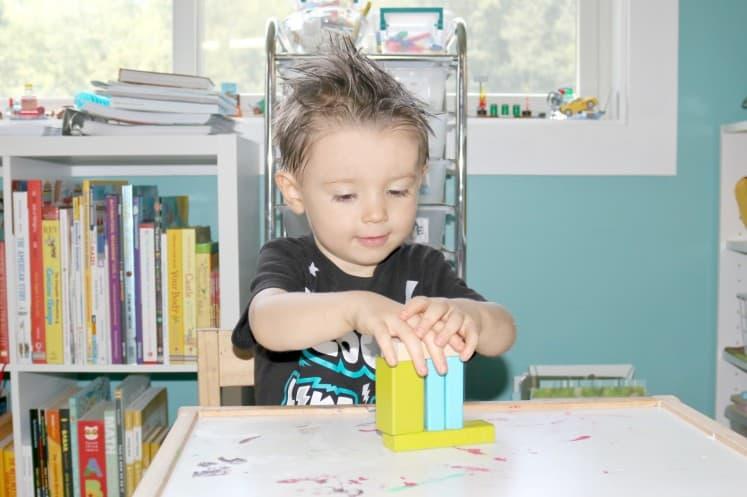 preschooler building blocks