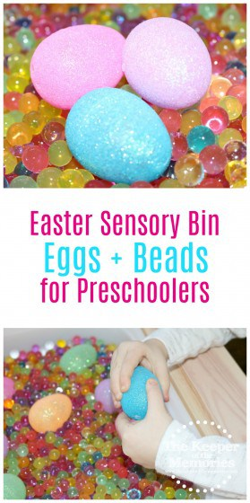 It doesn't get much simpler than this squishy beads + sparkly eggs Easter sensory bin for little kids! This one's lots of fun for preschoolers! Check it out! #easter #sensory #preschool