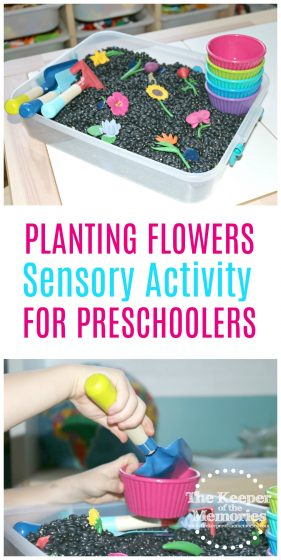 Check out this awesome planting flowers gardening play sensory activity for little kids. #preschool #gardening