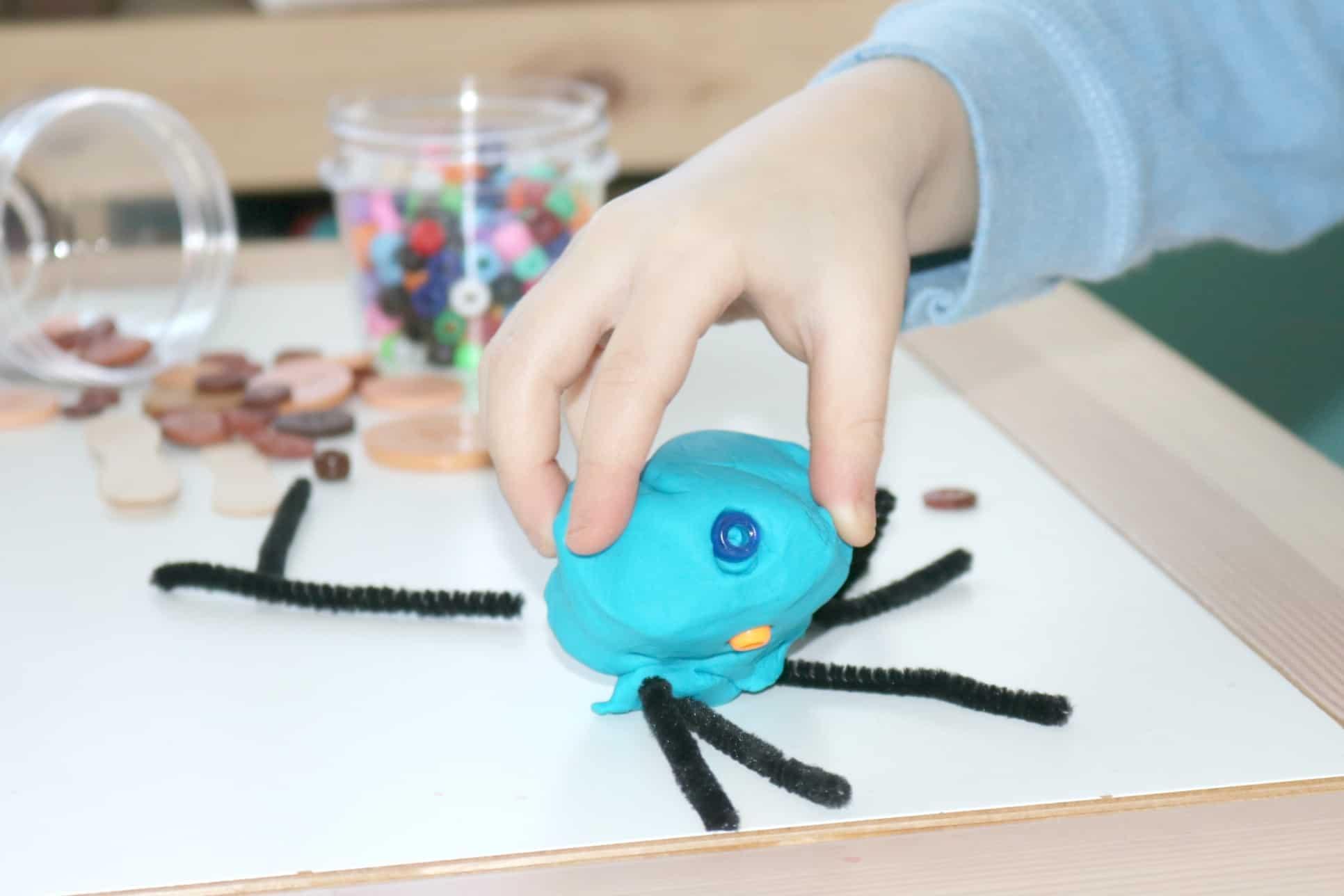 Preschool Safari Sensory Beetle Structures Investigation Station