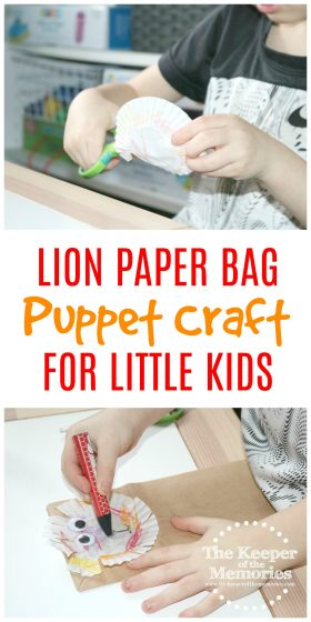 Make this Quick & Easy Lion Paper Bag Puppet Craft for Kids! Your preschoolers will have a roaring good time pretending to be wild and learning about the story of Daniel in the Lion's Den.