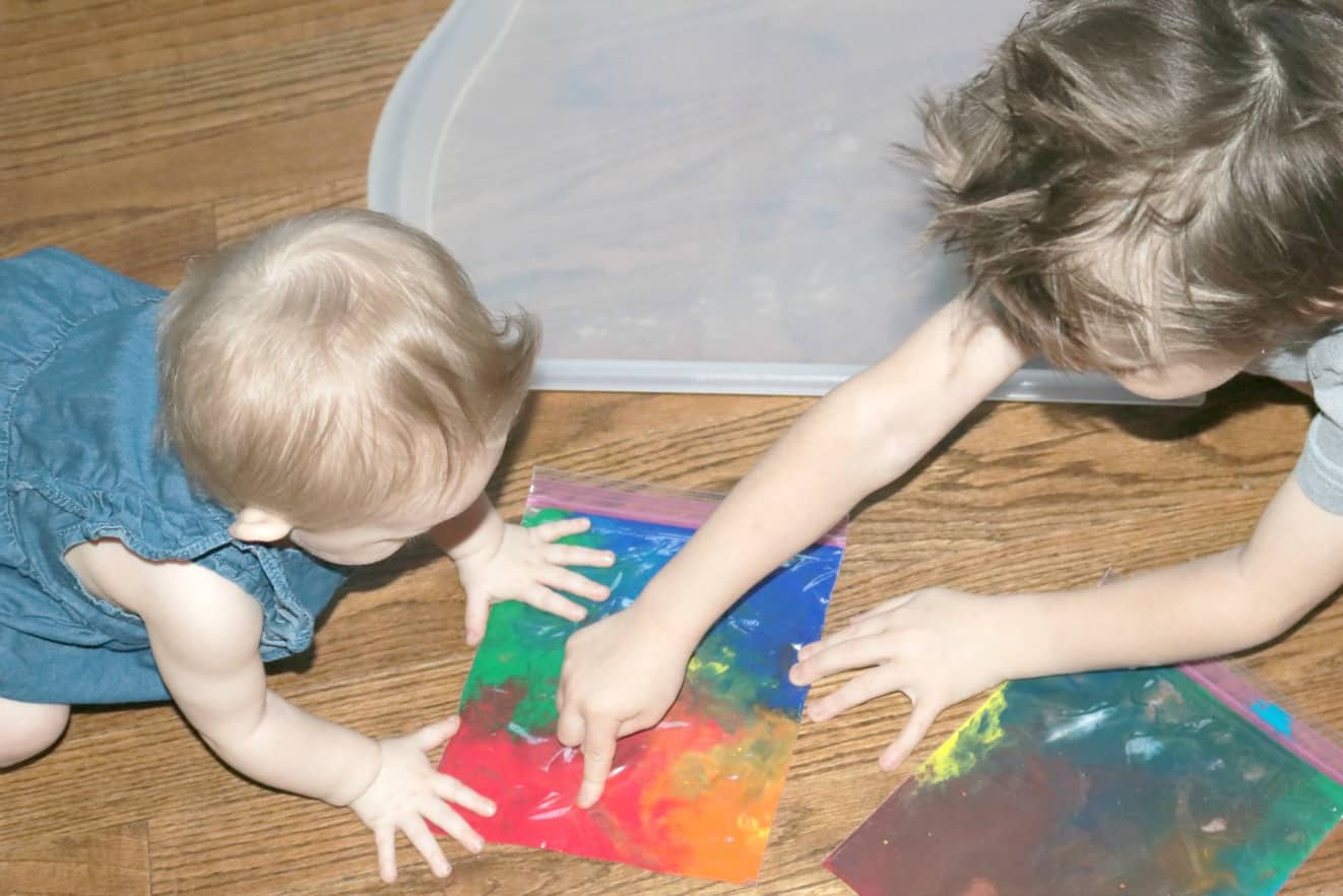 Mess Free Rainbow Activity for Babies, Toddlers, & Preschoolers