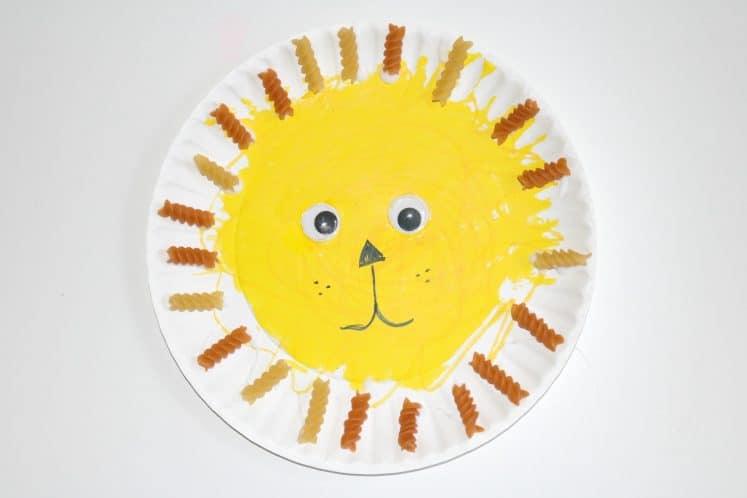 paper plate pasta lion craft