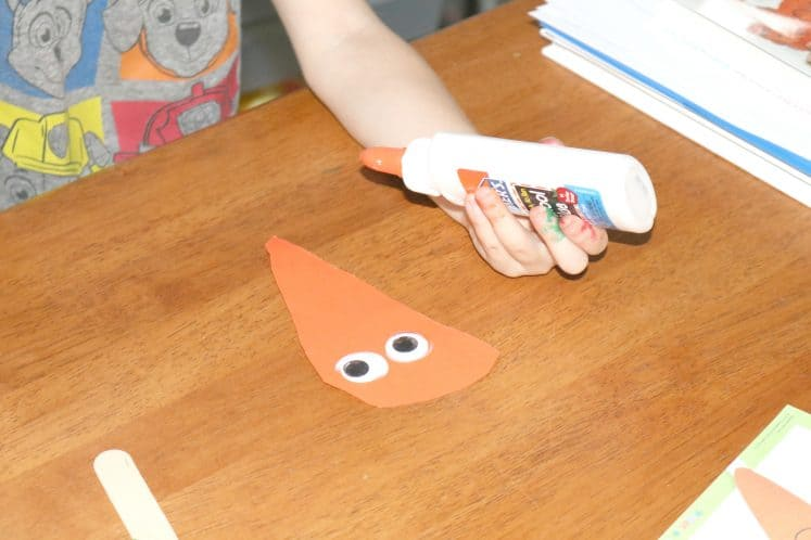 carrot puppet with wiggle eyes