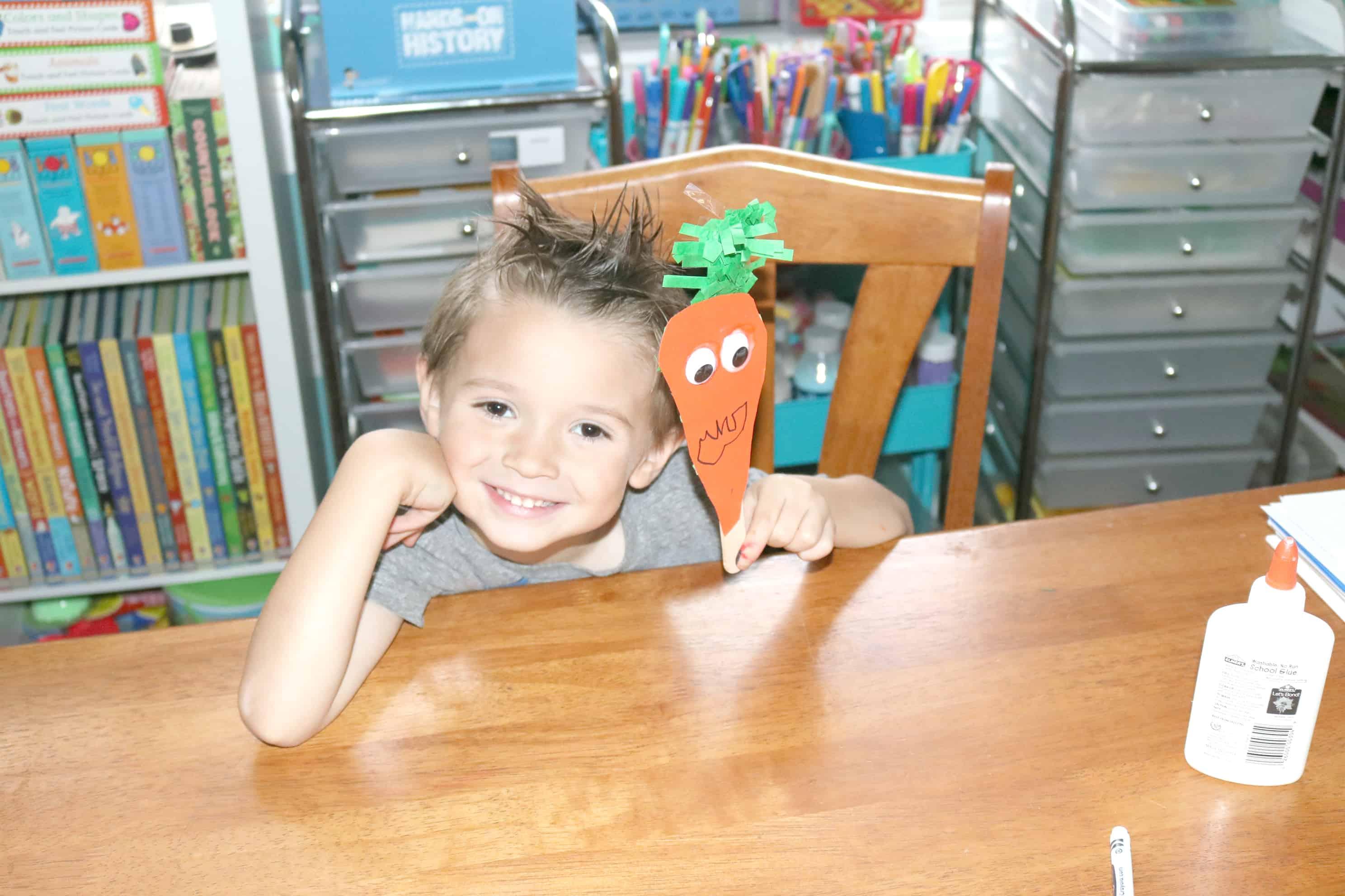 Quick & Easy Carrot Puppet Craft for Preschoolers & Kindergartners