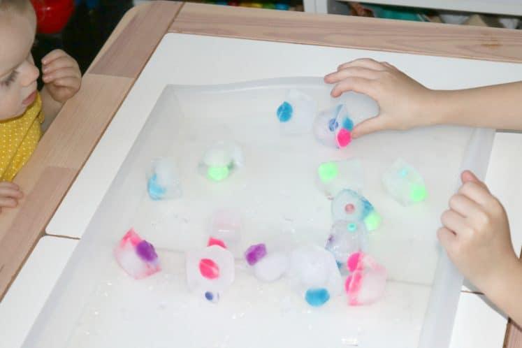 Frozen Objects Preschool Winter Activity 1