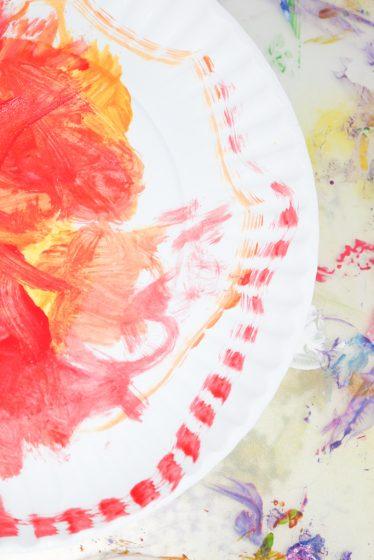 preschooler's paper plate sun craft